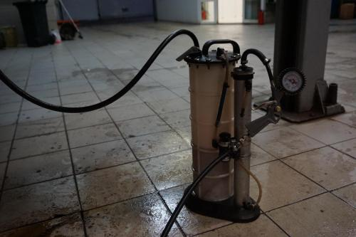 Замена масла в АКПП Мерседес E класса